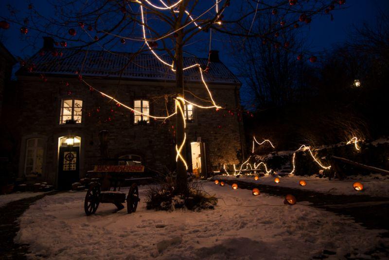 Kunsrhandwerkerhof winterlich, weihnachtlich