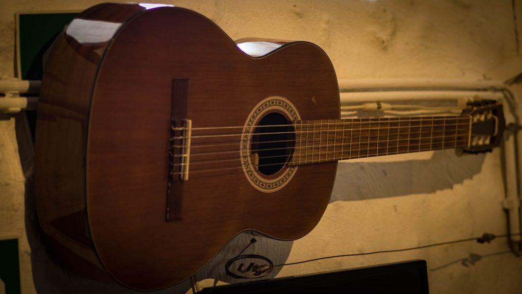 Classic Gitarre in der Bodega